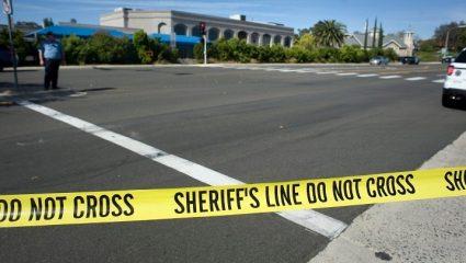 Τρόμος στις ΗΠΑ: Ένοπλος άνοιξε πυρ σε συναγωγή στο Σαν Ντιέγκο