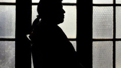Φρίκη! Πα-ΤΕΡΑΣ βίασε την ανήλικη κόρη του 1800 φορές σε διάστημα έξι χρόνων
