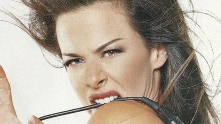 Δείτε πώς είναι σήμερα η «θεά» των 90s Ίνα Λαζοπούλου