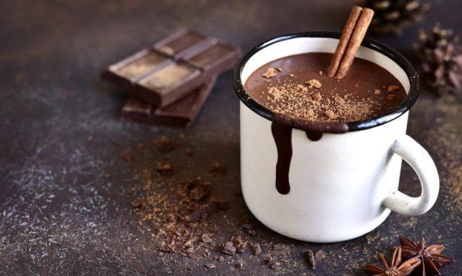 Πώς συνδέεται η σοκολάτα με την υπέρταση