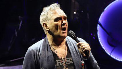 Αντιδράσεις κατά του Morrissey για τη στήριξη στην ακροδεξιά