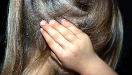 Συνελήφθη πατέρας που τιμωρούσε τα παιδιά του με ηλεκτροσόκ