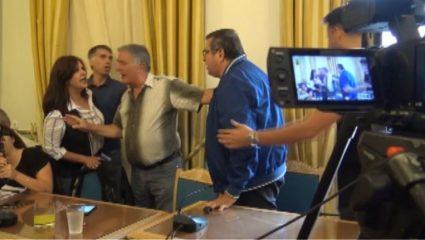 Χαμός ανάμεσα στην αντιπεριφερειάρχη Πελοποννήσου και στέλεχος τηλεοπτικού σταθμού (ΒΙΝΤΕΟ)