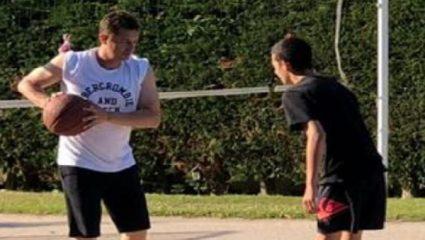 Ο Αντώνης Σρόιτερ σε ρόλο …προπονητή μπάσκετ