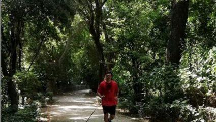 Τρέχει ο Βασίλης Κικίλιας μια μέρα πριν τον γάμο