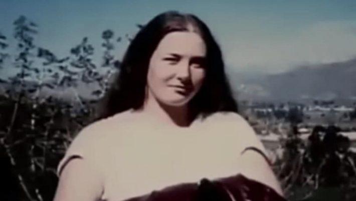 Σοκ: Έμενε φυλακισμένη σε φέρετρο για επτά χρόνια!