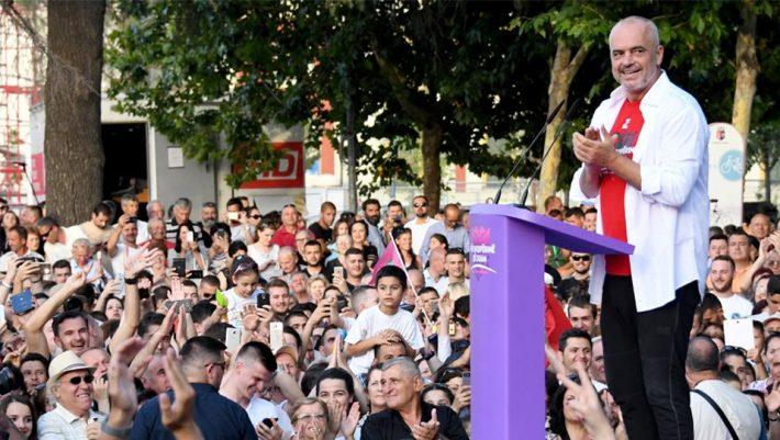 Δεν υπάρχει: Ο Ράμα ψήφισε με ένα μοναδικό ντύσιμο! (ΦΩΤΟ)