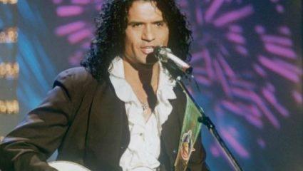 Πέθανε ένας απ' τους πιο σπουδαίους Έλληνες τραγουδιστές