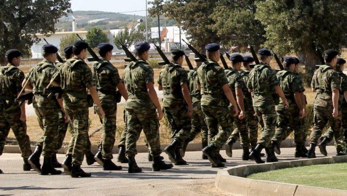 Πόσο αυξάνεται η θητεία στον στρατό