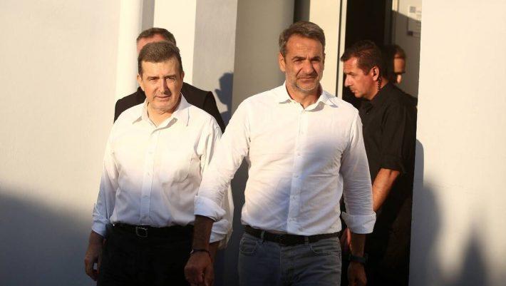 Καίγεται η Ελλάδα και αυτοί πανηγυρίζουν...