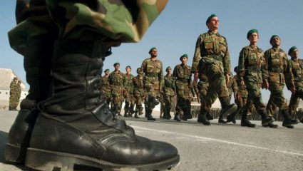 Έγινε και αυτό: Δεν φτάνουν τα άρβυλα στον στρατό