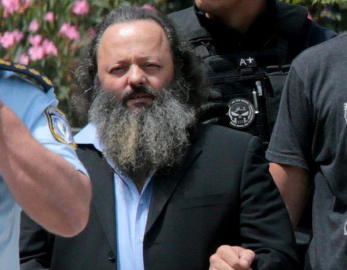 Kοτσίδα και καράφλα: Άλλος άνθρωπος ο Αρτέμης Σώρρας 2 χρόνια μετά τη σύλληψή του (Pics)