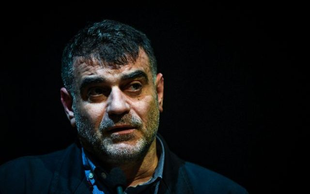 Συνελήφθη ο δικηγόρος του Κώστα Βαξεβάνη