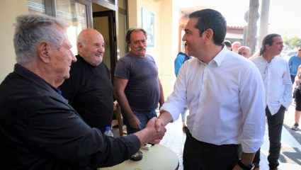 Υποδέχθηκαν ως «νέο Αντρέα» τον Τσίπρα στην Κρήτη