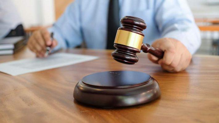 Πρωτοφανής απόφαση δικαστηρίου για τον βιασμό 14χρονης από πέντε άτομα