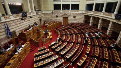 «Δεν πάτε στο δ@@@λο!»: Χαμός στη Βουλή – Βουλευτής έβρισε για το εργασιακό