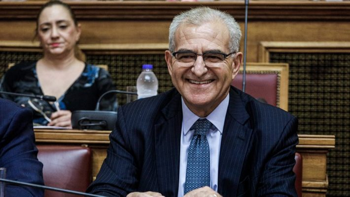 Ο Διαματάρης παραμένει υφυπουργός στα... social media
