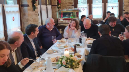 Το …ρεφενέ γεύμα Τσίπρα με αρνάκι και ντολμαδάκια
