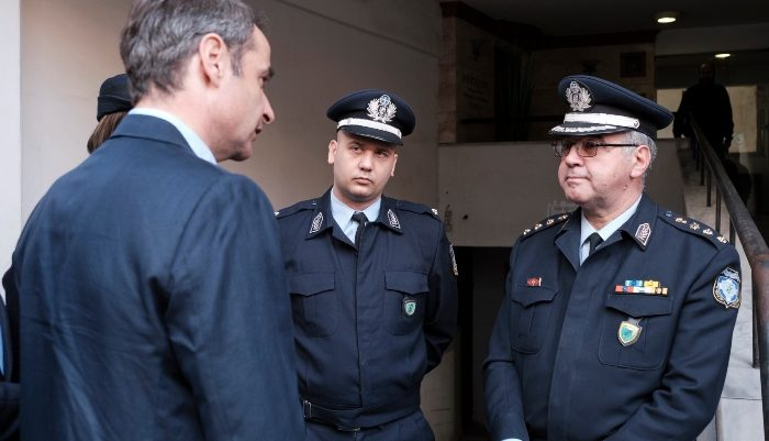 Έδωσε το σύνθημα ο Κυριάκος: «Οι αστυνομικοί πρέπει να είναι στους δρόμους, όχι στα γραφεία»