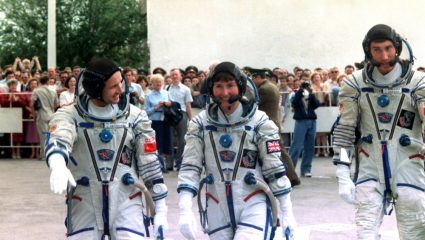 Αστροναύτης αποκαλύπτει: «Υπάρχουν εξωγήινοι και ζουν ανάμεσά μας!»