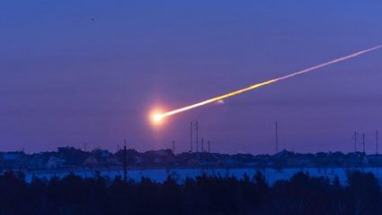 Σπάνιο και επικίνδυνο φαινόμενο: Μετεωρίτης έπεσε στην Αίγινα