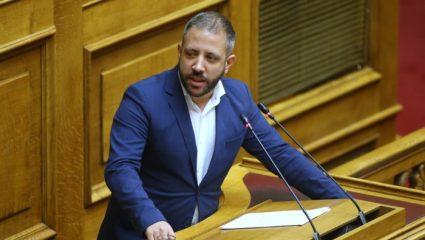 Βουλευτής του ΣΥΡΙΖΑ έμπλεξε στην κίνηση και πήγε με τα πόδια τη Βουλή!