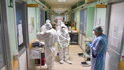 Δισεκατομμύρια κρούσματα, εκατομμύρια νεκροί: Η πιο σοκαριστική πρόβλεψη Έλληνα καθηγητή για τον ιό