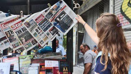 Οι πρώτες εφημερίδες που προχωρούν σε αναστολή συμβάσεων των δημοσιογράφων