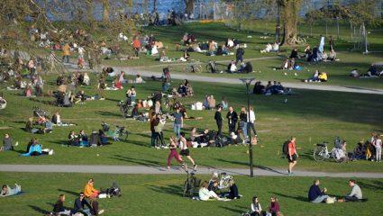 Τρομακτική πρόβλεψη από Έλληνα γιατρό στη Σουηδία: «Γι' αυτό η ανοσία της αγέλης είναι η σωστή επιλογή»