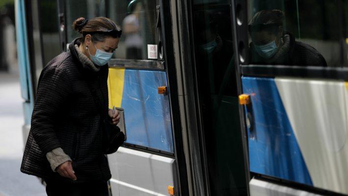 Οι διαφωνίες για την χρήση μάσκας - Πότε γίνεται επικίνδυνη