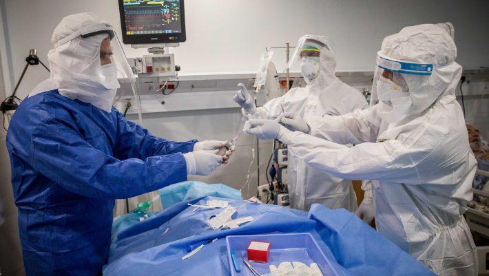 Συμπτώσεις ή έγκλημα: Γιατροί πηδούν από τα παράθυρα μετά τις καταγγελίες τους για τον κορωνοϊό