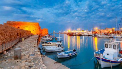 Δεν ξανάγινε: Άδειο από τουρίστες το πιο τουριστικό μέρος της Κρήτης