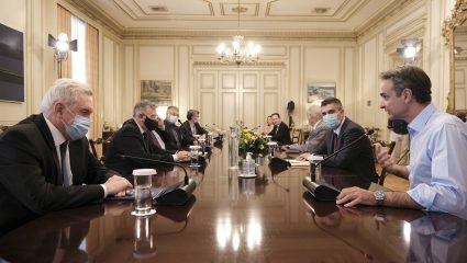 Κορωνοϊός: Τα 3 νέα μέτρα που ανακοινώνει η κυβέρνηση μετά την εισήγηση των λοιμωξιολόγων