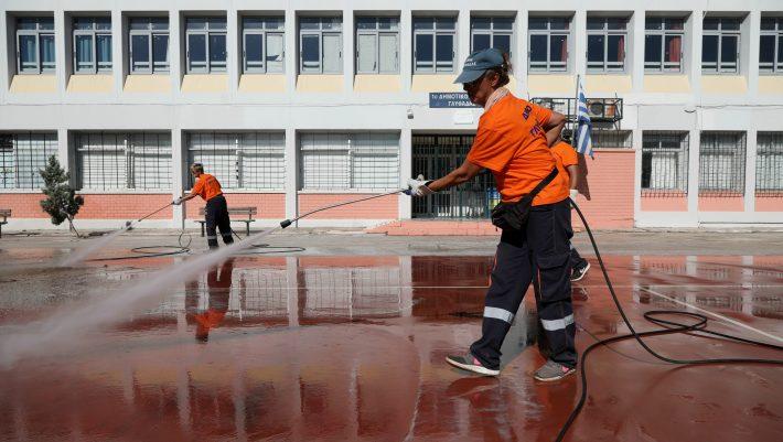 Κορωνοϊός: Αυτά είναι τα νέα μέτρα που έρχονται μετά την «έκρηξη» κρουσμάτων