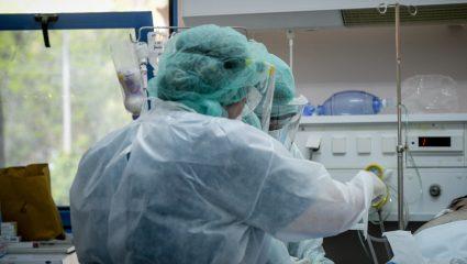 Τέρμα στο ψέμα της γρίπης: Τρεις φορές πιο θανατηφόρος ο κορωνοϊός