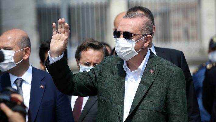 Ξεκάθαρη θέση: Οι Έλληνες δε θέλουν να κάνουν πια τα «χατίρια» στον Ερντογάν...