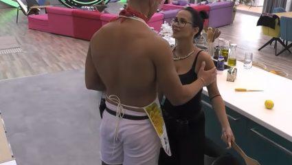 Ασυγκράτητοι: Τα φιλιά και οι χειρονομίες ανάμεσα στο πρώτο ζευγάρι του Big Brother (Pics)