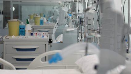 «Βοηθήστε μας, είμαστε σε πόλεμο»: το συγκλονιστικό μήνυμα γιατρού στη Θεσσαλονίκη