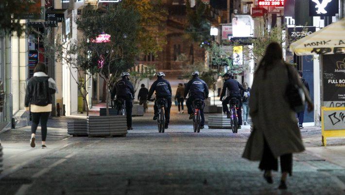 Κορωνοϊός στην Ελλάδα: Τι αλλάζει μετά το νέο αρνητικό ρεκόρ διασωληνωμένων