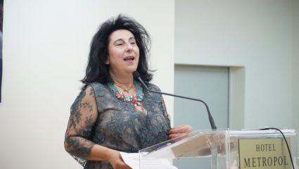 Υποψήφια της ΝΔ για Μπεκατώρου: Oι κυρίες δεν μπαίνουν ποτέ στα δωμάτια μοναχικών ανδρών