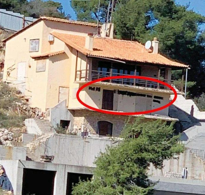 Πέτρος Φιλιππίδης: Βανδάλισαν το σπίτι του - Οι πρώτες εικόνες (Pic)