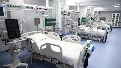 Δραματική η κατάσταση στα νοσοκομεία – Δεκάδες ασθενείς εκτός ΜΕΘ