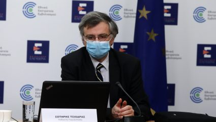 «Φαινόμενο του παγόβουνου»: Ο μεγαλύτερος κίνδυνος που τρομάζει τους λοιμωξιολόγους στην Ελλάδα