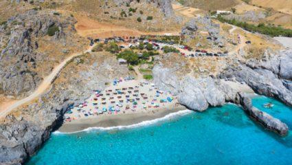 Η πιο όμορφη σπηλιά στην Ελλάδα με τα καταγάλανα νερά – Τι σχέση έχει μαζί της ο… δράκος